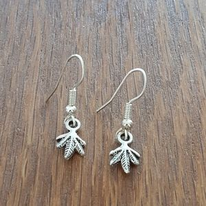 Cute Leaf Earrings